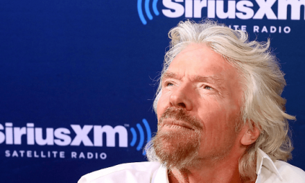 Billionaire Branson Congratulates May for Stopping Clean, No Deal Brexit