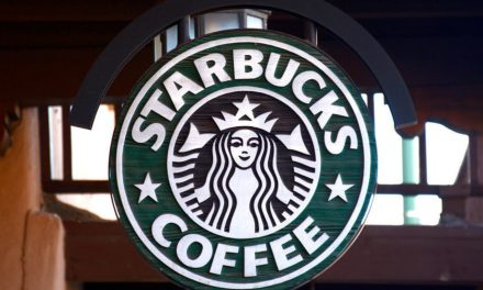 Starbucks kicks out Arizona police officers on July Fourth because customer 'did not feel safe'